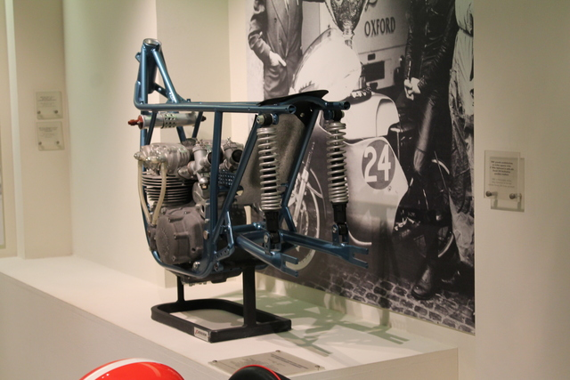 Twin shock Ducati